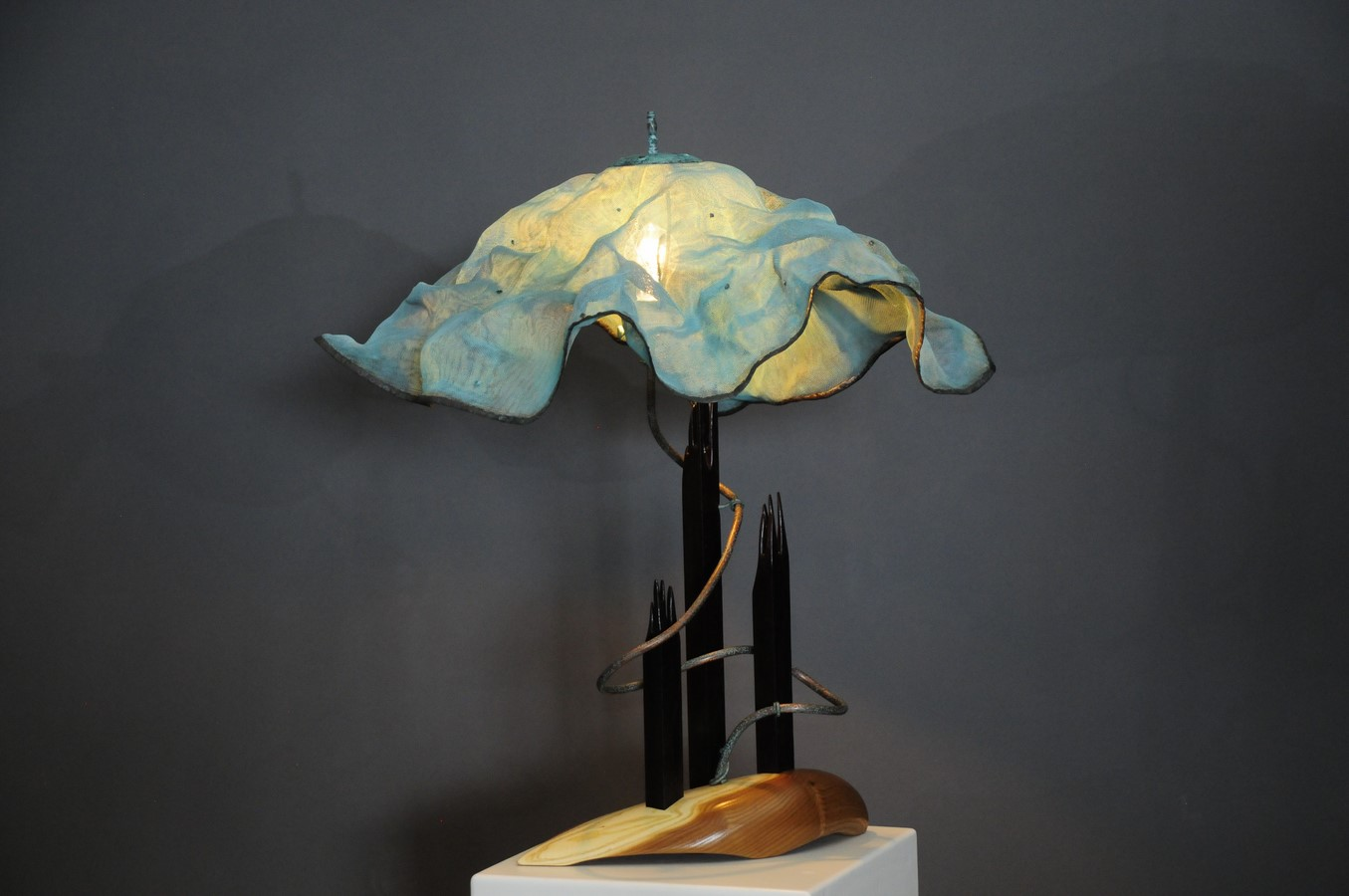 Free Falling - a lamp